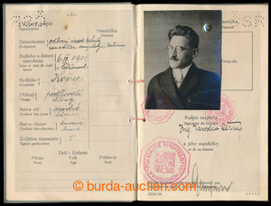 194611 - 1935 CZECHOSLOVAKIA 1918-39 / PASSPORT in the name of engine