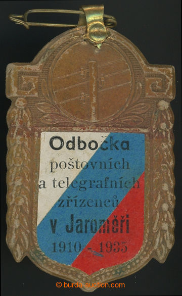 211370 - 1935 POŠTA / jubilejní slavnostní připínací odznak s vlepený