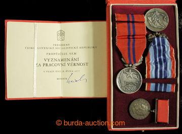 213783 - 1948-1989 sestava 3ks vyznamenání, 1x vyznamenání Za zá