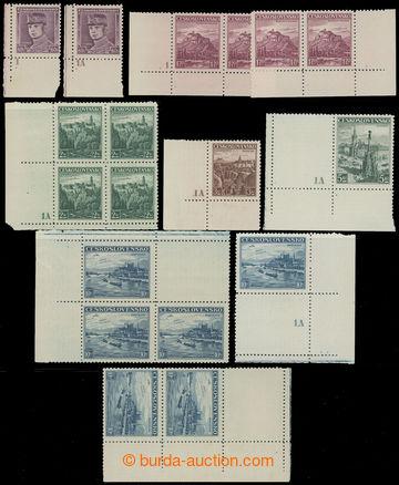 214257 - 1939 DOTISKY / sestava dotisků čs. zn. s nápichovými body, 2