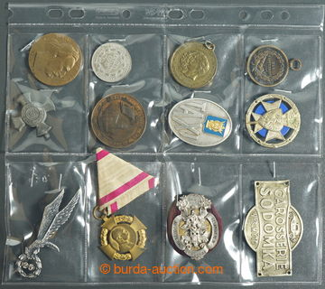 226418 - 1900- SESTAVA / 12ks různých vyznamenání, odznaků a pla