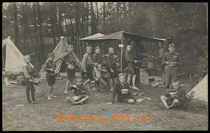 25176 - 1930? Scout camp,  B/W. photo,  scouts by/on/at field kitche