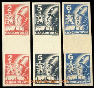 28832 - 1945 Košické  svislé 2známkové meziarší, Pof.354-56Ms