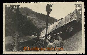 29112 - 1940 Czechoslovakia  photo postcard, vykolejený train,  in/