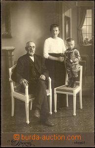 34232 - 1890 kabinetní rodinná fotografie ateliéru Ant. Spurný Třebí