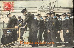 36670 - 1909 Denmark - group sailors vystupujících from ship, tint