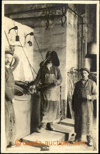 41640 - 1920? KREMNICA - mincovna - kovářská dílna, vzadu razít