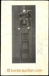 41893 - 1914 varietní artista střílející from opěradla chair,