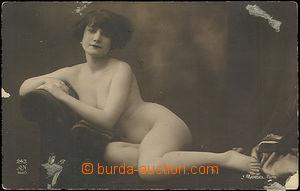 49151 - 1920 girl on/for lehátku, studio: J.Mandel, Paris; isn't po