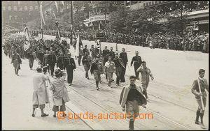 56240 - 1938 slavnostní průvod X. všesokolského sletu, členové Rakou