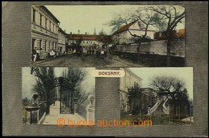 57009 - 1910 Doksany - 3okénková, postavy před obchodem, partie z