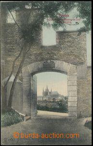 57912 - 1905 Praha - koláž, Hradčany v průhledu Hladovou zdí; p