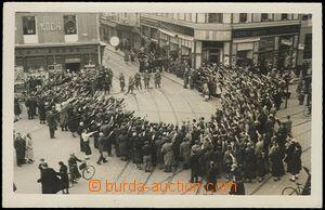 62624 - 1938 Graz, shromáždění lidí s nacistickým pozdravem; neprošl