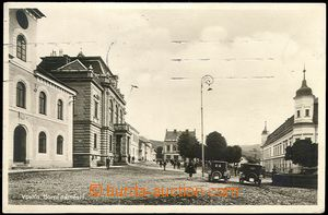 66369 - 1933 Vsetín - Upper square, people, cars; Us, pulled-down s