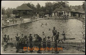 72890 - 1930 ORLOVÁ - town swimming pool, people; Us, bumped corner