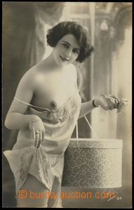79510 - 1930 nude girl with box, Made in France; Un, very good condi